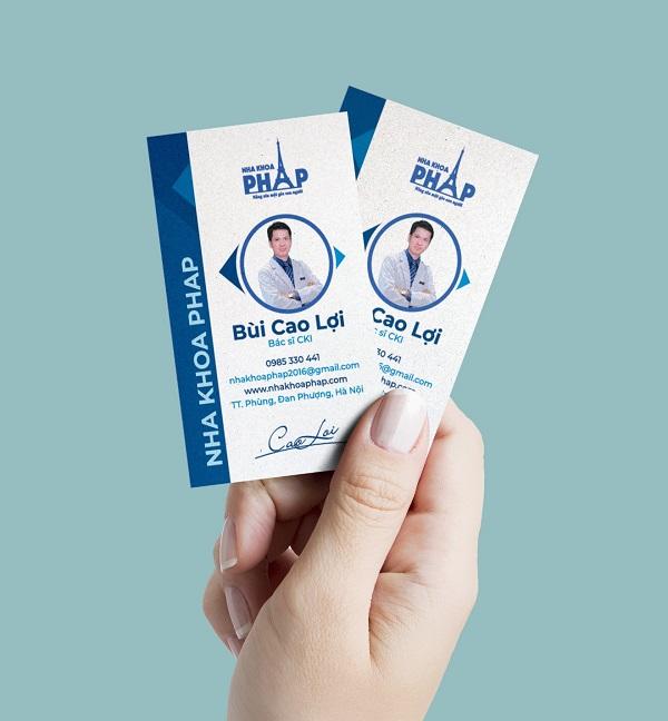 Card visit - danh thiếp dọc của thương hiệu Nha Khoa Pháp do CBM Branding thiết kế